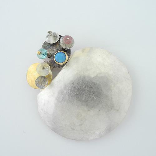 Brosche mit Mondstein von Isabell Kellner